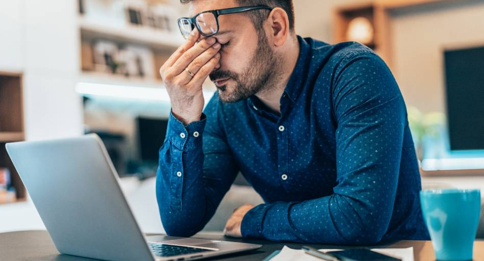 Gründe und Auslöser für das Zucken der Muskeln Stress, aber auch körperliche oder generell nervliche Belastung sein.